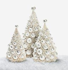 6121: Platinum Bottlebrush Trees - charlestongardens.com