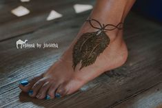Natural Henna / Mehndi Feather on Foot . Henna by Jorietha Henna Feather, Henna Arm, Foot Henna, Cool Henna Designs, Moroccan Henna, Hand Mehndi, Natural Henna, Bridal Henna, Henna Artist