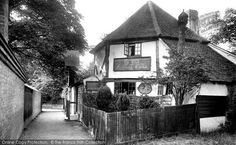 Photo of St Albans, Ye Old Fighting Cocks 1921 London Colney, St Albans, Places Of Interest, England Uk, Northern Ireland, Old Pictures, Past, House Styles, City