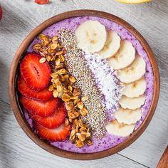 Low Calorie Breakfast, Detox Breakfast, Vegan Breakfast Recipes, Breakfast Ideas, Smoothie Bowl, Smoothies, Acai Fruit Bowl, Detox Recipes, Healthy Recipes