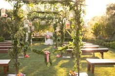 Enchanting ceremony at #ElChorro in Paradise Valley, AZ with #AmyandJordanPhotography and #ImoniEvents www.flowerstudioaz.com