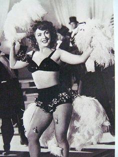 La #Diva #MaríaAntonietaPons en una antigua #Foto