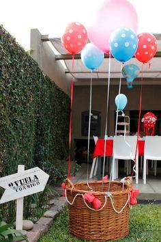 Hot Air Balloon Photobooth/ Subí al globo y sacate una foto!