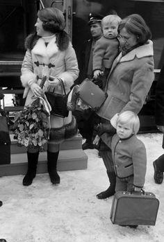 Alexander de kinderjuf met zijn broertje Friso en Mamma Beatrix (NL)