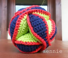 Crochet Amish Puzzle Ball - by aennie
