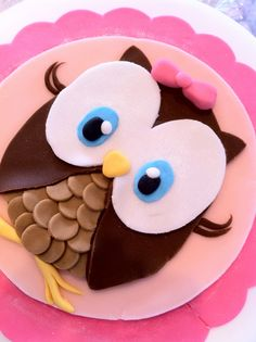 Owl image inspiration for the look of 3D owl cake design.
