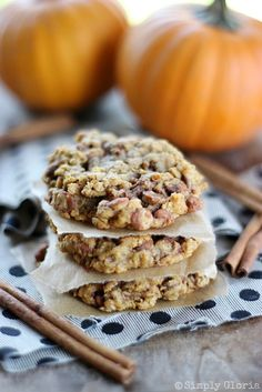 Super soft Pumpkin Cinnamon Oatmeal Cookies have alushpumpkin spiceblend with scrumptiouscinnamon chips in every single bite! Are you a lover of soft, chewy cookies? In case...