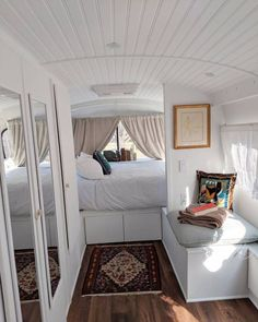 Woman Buys Old Greyhound Bus and Turns it into Chic Tiny Home 006