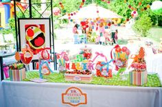 A fabulous party with muppets letter alphabet, fresh flower centerpieces, the animal, Dr. Teeth & St. Pepper vintage posters & many more muppets party ideas.