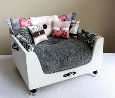 Recycling Old Furniture, Suitcases, Wooden Boxes for Pet Beds - Recycling Old Furniture, Suitcases, Wooden Boxes for Pet Beds Luxury Designer Shabby Chic Parisian Dog Bed…need one for Belle Cute Dog Beds, Diy Dog Bed, Pet Beds, Cool Cat Beds, Doggie Beds, Dog Beds For Small Dogs, Diy Lit, Designer Dog Beds, Dog Furniture
