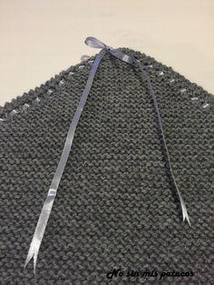 Manta tejida para minicuna. Realizando aumentos hasta la mitad de la manta y partir de aqui realizando disminuciones.