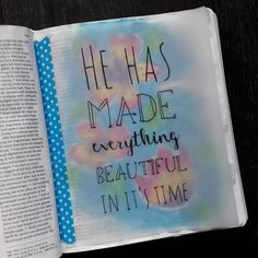 He has made everything beautifiul in it's time • Prediker 3:11 #bijbeljournaling #bijbeljournalingnl #bijbeljournalinggroep #dutchbiblejournaling #biblejournaling #journalingbible #biblejournalingnederland #illustratedfaith #icolorinmybible #idrawinmybible #schrijfbijbel Gebruikte materialen: #waterverf #watercolor #vangohwatercolor #fineliner #fineliners #fudenosuke #vellum #washi #washitape