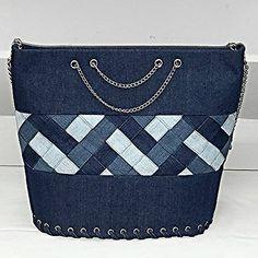 Best 12 Introducing 3 new patterns! – Page 2885187244931138 – SkillOfKing. Denim Handbags, Denim Tote Bags, Denim Purse, Patchwork Bags, Quilted Bag, Jean Purses, Purses And Bags, Denim Crafts, Diy Handbag