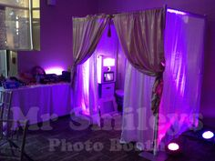 Enclosed Privacy Booth with Uplighting