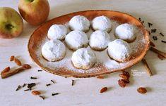 Πανεύκολα, οικονομικά, νηστίσιμα μηλοπιτάκια - cretangastronomy.gr Cream Crackers, Apple Recipes, Chip Cookies, Camembert Cheese, Dairy, Cooking, Sweet, Desserts, Apple Pies