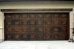 How to paint wood grain on garage door everything i for Paint metal garage door to look like wood