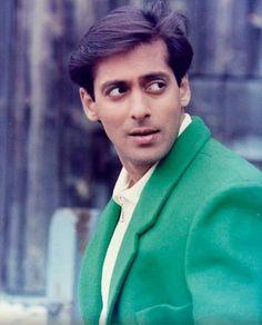 Salman khan Indian Celebrities, Bollywood Celebrities, Salman Khan Quotes, Raveena Tandon Hot, Salman Khan Wallpapers, Superstar, Surya Actor, Salman Khan Photo, Hymen