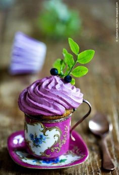 Very Berry Blueberry Cupcakes - marieola - food and lifestyle blog