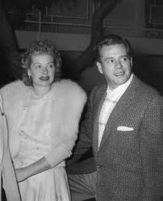 Lucille Ball and Desi Arnaz entering a party at the Canyon Country Club in Palm Springs, CA in the Hollywood Couples, Hollywood Icons, Vintage Hollywood, Ps I Love, I Love Lucy, Lucille Ball Desi Arnaz, Lucy And Ricky, Famous Couples, Handsome Actors