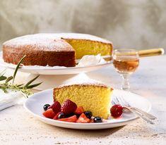 Wirklich schmecken tut man das Olivenöl in diesem Kuchen nicht. Es gibt ihm aber eine schöne Feuchtigkeit.