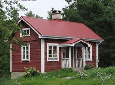 I want one of these Swedish Stuga houses Swedish Cottage, Cute Cottage, Red Cottage, Red Houses, Play Houses, Scandinavian Cabin, Sweden House, Cottage Exterior, House Siding