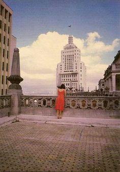 1989 - Terraço do edifício Martinelli. Ao fundo o edifício Altino Arantes. À esquerda o edifício sede do Banco do Brasil.