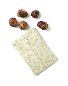 Six Soap Nuts + Zip it Closed = Clean Laundry Best Laundry Detergent, Soap Nuts, Berries, Cleaning, Zip, Ideas, Bury, Home Cleaning, Thoughts
