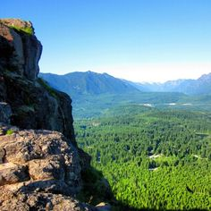 Always good to hike Rattlesnake Ridge. The view never gets old. #UncontainedLifeTravelHistory #VisitWashington #UncontainedLife #hiking http://ift.tt/1sufLAa