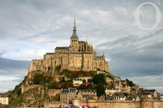 001_France_Avranches__St_Malo_The_Long_History_of_Le_Mont_St_Michel_Kiss_From_The_World_travel_and_people_magazine_Kiss_From_The_World_travel_and_people_magazine.jpg (750×500)