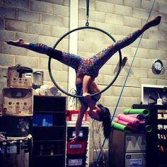 YEAHHHH one-handed! Will need to work on the bad-leg splits though. #aerialhoop