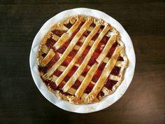 It's pie kind of Sunday.  #strawberry #pie #sunday #funday #foodies #teamwork @misssomossy