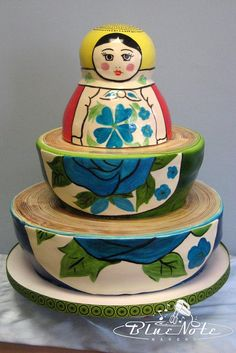 Nesting doll cake---truly inspired.