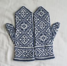 Ravelry: Egyptian Mittens pattern by Tuulia Salmela
