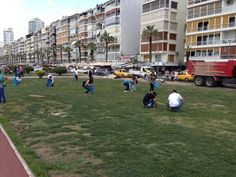 People cleanup Izmir