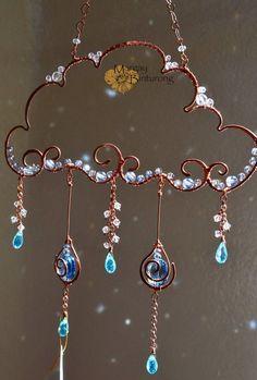 Super sparkly Raincloud Suncatcher, Swarovski Crystal wire art, window home decor, patio garden decoration rainbow maker blue aqua – Gift Ideas Bead Crafts, Jewelry Crafts, Arts And Crafts, Handmade Jewelry, Earrings Handmade, Diy Crafts, Wire Wrapped Jewelry, Wire Jewelry, Geek Jewelry