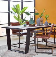 Kleur je eethoek! Deze stoel biedt jouw eetkamer een stoere mix van oud- en modern design.