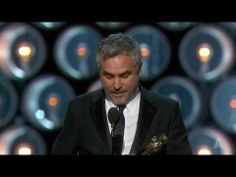 Angelina Jolie and Sidney Poitier present Alfonso Cuarón the Oscar for Directing for Gravity at the Academy Awards. Best Director, Film Director, Oscars 2014, Academy Awards, Cinema, Good Things, Youtube, Fictional Characters, Movies