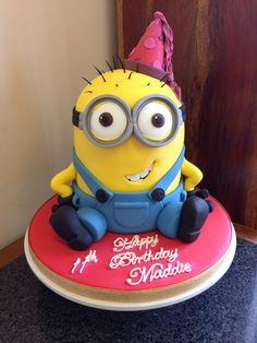Novelty minion birthday cake Minion Birthday, Minion Party, Cake Cookies, Cupcake Cakes, Cup Cakes, 1st Birthday Themes, Birthday Cakes, Nickelodeon Spongebob, Angry Birds Cake