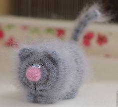 """Игрушки животные, ручной работы. Ярмарка Мастеров - ручная работа. Купить Кот вязаный """"Хвост трубой"""" вязаная игрушка серый кот ручной работы. Handmade."""