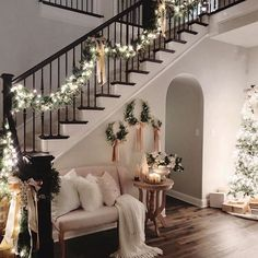 36 Most Popular Living Room Colors Ideas - Inspiration to Beautify Your Living Room 2730 : ? 36 Most Popular Living Room Colors Ideas - Inspiration to Beautify Your Living Room 2730 Christmas Entryway, Christmas Home, Elegant Christmas, Rustic Christmas, Christmas Living Room Decor, Christmas Ideas, Christmas Cookies, Christmas Mantels, Merry Christmas