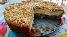 Apfelkuchen mit Vanillecreme und Streuseln Apple pie with vanilla cream and sprinkles Vanilla Coffee Cake Recipe, Doodle Cake, Strawberry Icebox Cake, Healthy Cake Recipes, Cheesecake, Low Calorie Snacks, Basic Cake, Indian Desserts, Vanilla Cream