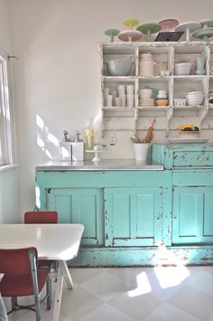 Home tour of Vintage Whites - love this kitchen - the collections are amazing! eclecticallyvintage.com