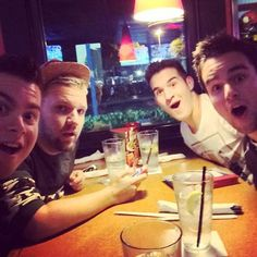 Obb with Jonathan Thulin. This is amazing, my favorite band and artist at the same table!