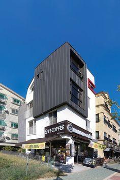 【인천 협소 상가주택】 상식을 깨는 계단 설계로 점포 면적 넓힌 상가주택