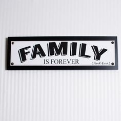 Family Canvas Tack Sign Wall Décor
