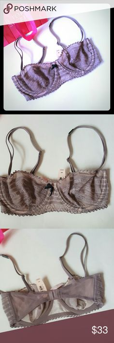 New! Victoria's Secret unlined bra 32d New with tags! Victoria's Secret unlined bra. size 32d. No pushup padding. Adjustable straps.   Bundle using the bundle feature and save! Victoria's Secret Intimates & Sleepwear Bras