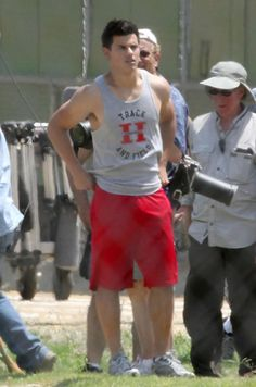 Taylor Lautner in Valentine's Day - Picture 3 of 41