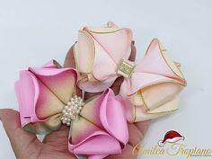 Laço Mara _vilhoso (1) By Amilca Tropiano - YouTube Diy Lace Ribbon Flowers, Ribbon Hair Bows, Diy Hair Bows, Diy Bow, Diy Ribbon, Ribbon Work, Fabric Flowers, Headband Hairstyles, Diy Hairstyles