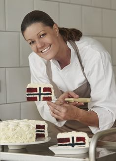 No Bake Desserts, Tart, Cake Decorating, Food And Drink, Sweets, Norwegian Flag, Yummy Cakes, Norway, Candy