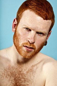 Deze fotograaf gebruikt enkel roodharige mannen voor zijn foto's | NSMBL.nl